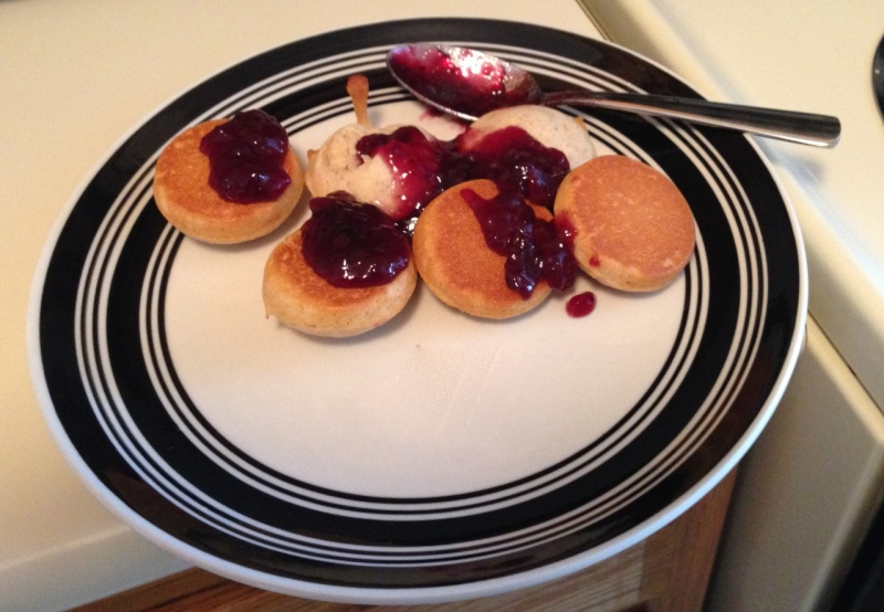 File:Freedom crumpets with berry preserves.jpg